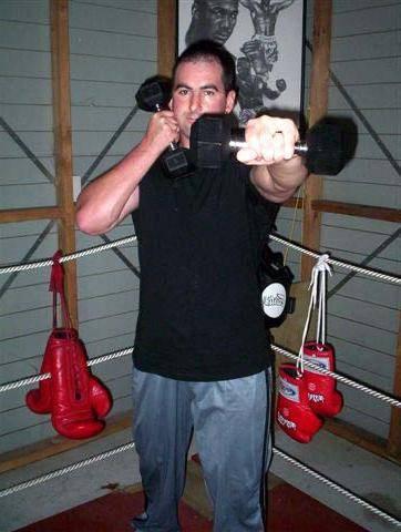 Как увеличить силу удара кулаком: техника тренировок для развития силы удара