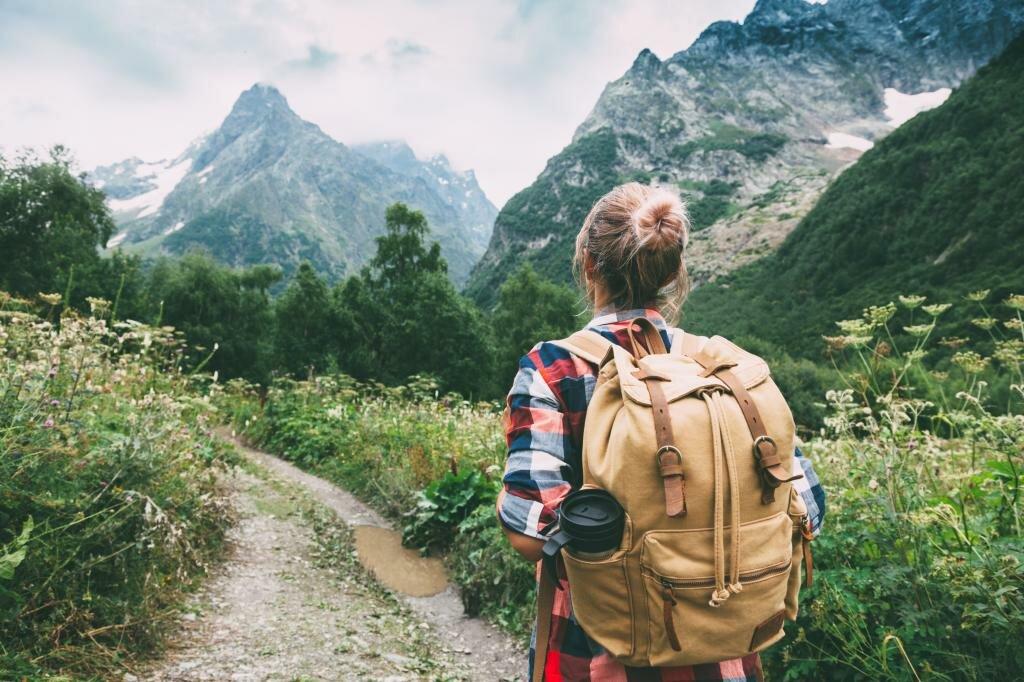 211 цитат, афоризмов, статусов, фраз про путешествия: короткие высказывания с глубоким смыслом о путешествиях, дальней дороге (список)