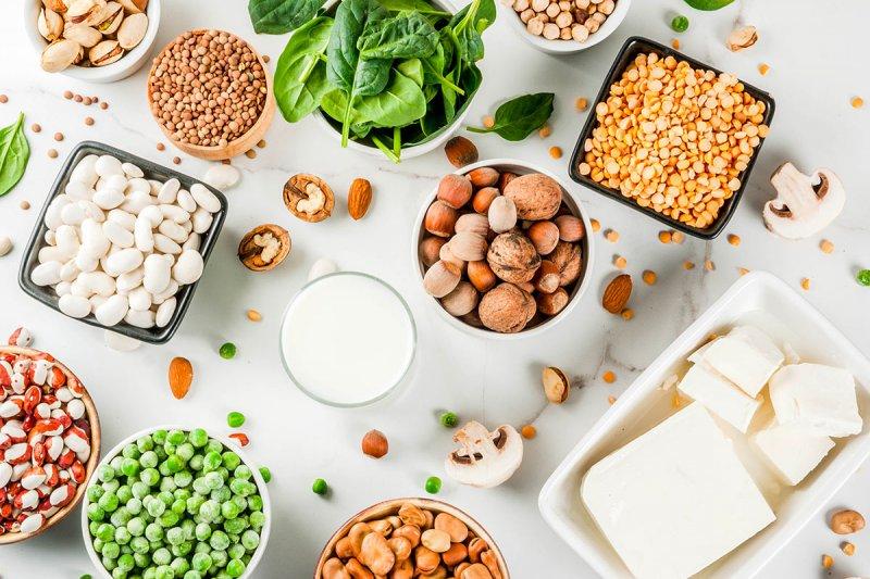Где взять белок вегетарианцам и веганам, чем заменить животный?