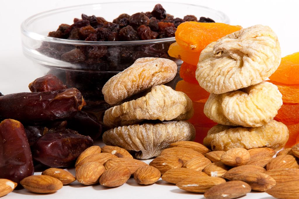 Полезные сладости и конфеты для детей и фигуры
