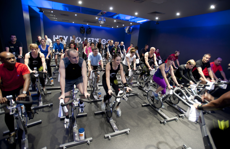 Сайкл тренировка – интенсивная кардионагрузка на стационарных велосипедах для похудения