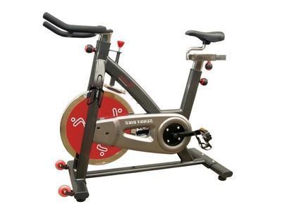 Как правильно заниматься на велотренажёре: польза и вред, эффективность программы тренировок
