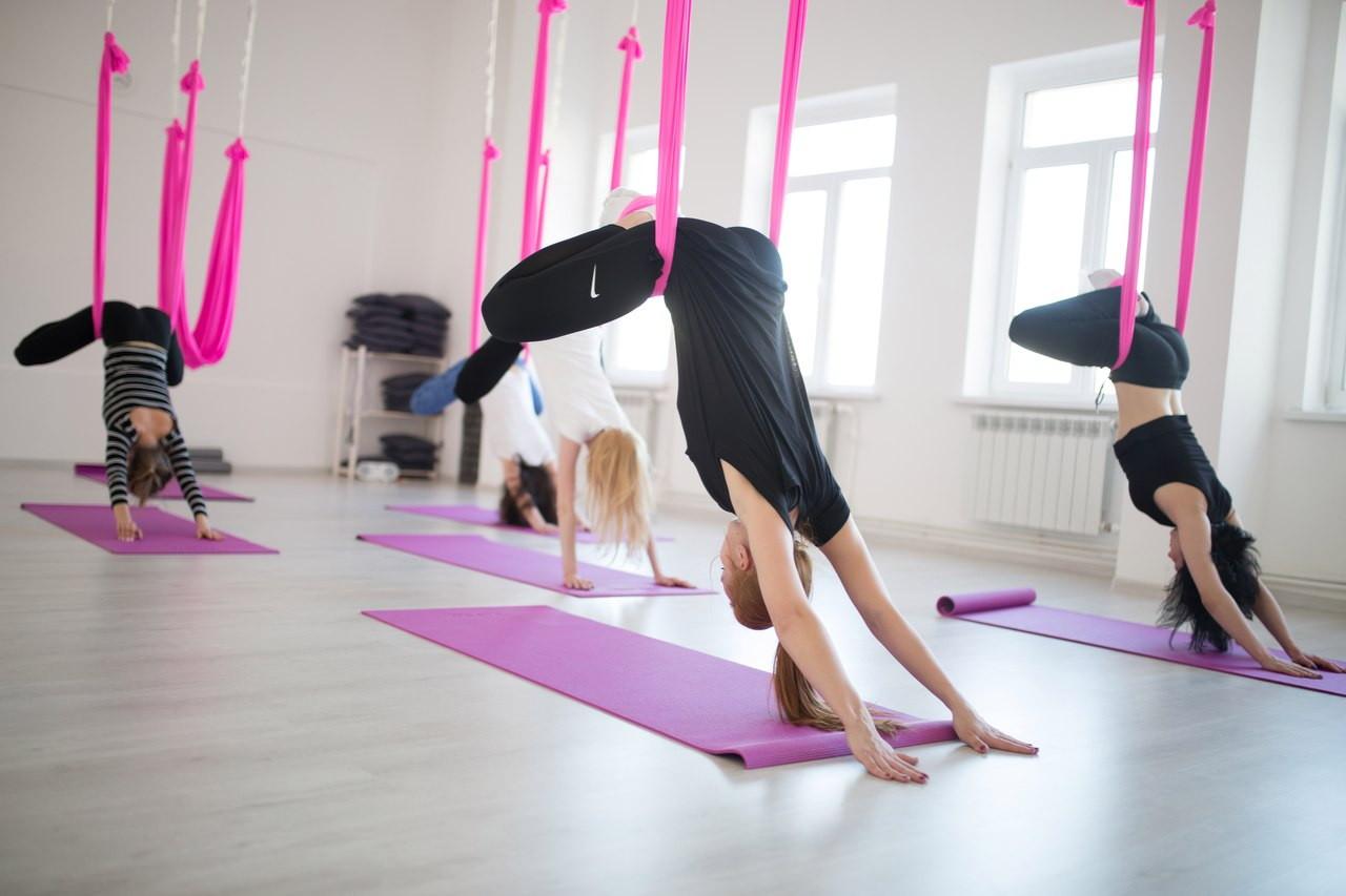 Стретчинг в домашних условиях: комплекс упражнений для начинающих, правила и виды растяжки