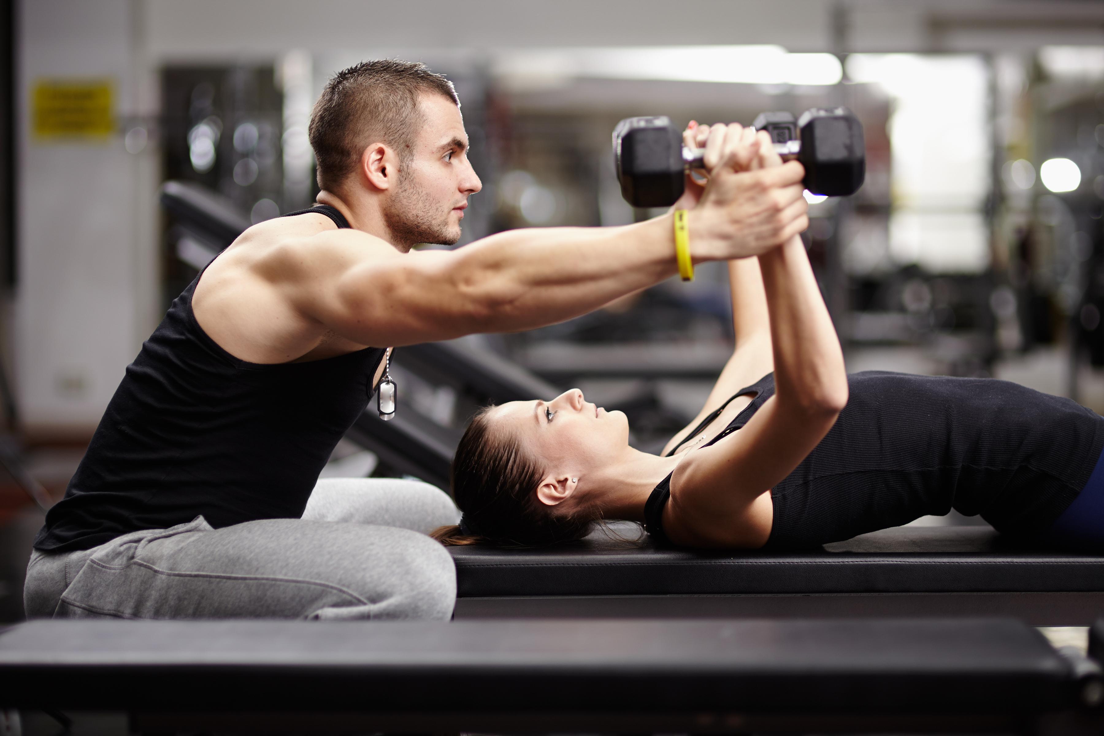 Фитнес дома - тренировки с собственным весом тела - упражнения для начинающих | 1body