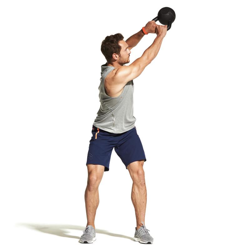 Упражнение дровосек – отличное движение для проработки пресса и верхней части тела