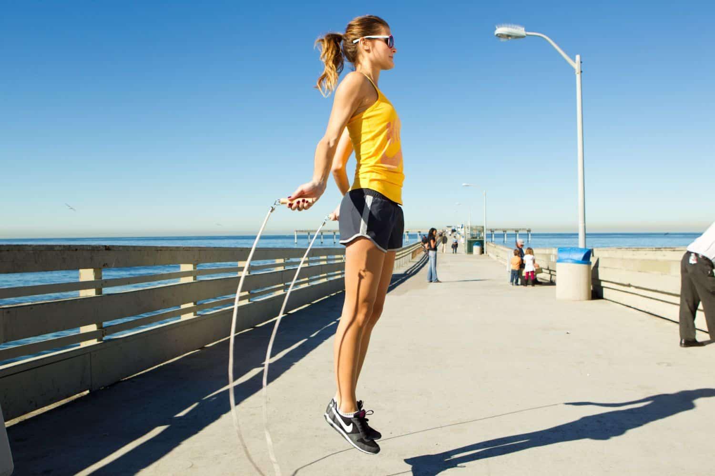 Что лучше: бег или ходьба для похудения, скакалка, плавание, быстрая езда на велосипеде, какой способ полезнее и эффективнее