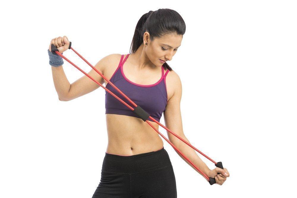 Упражнения с эластичной лентой для женщин и мужчин