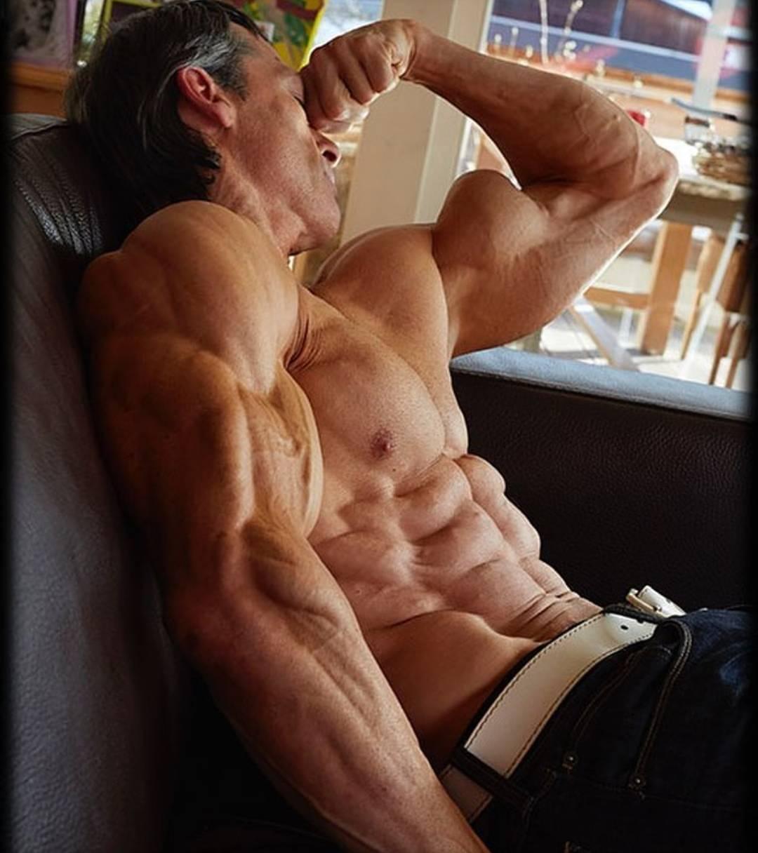 Helmut strebl the most shredded man alive! workout and diet revealed