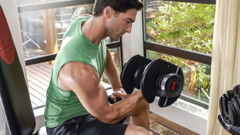Домашняя тренировка с гантелями для набора мышечной массы