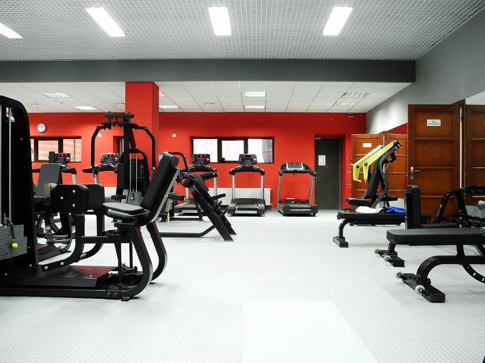 Фитнес клуб - оборудование необходимое для работы
