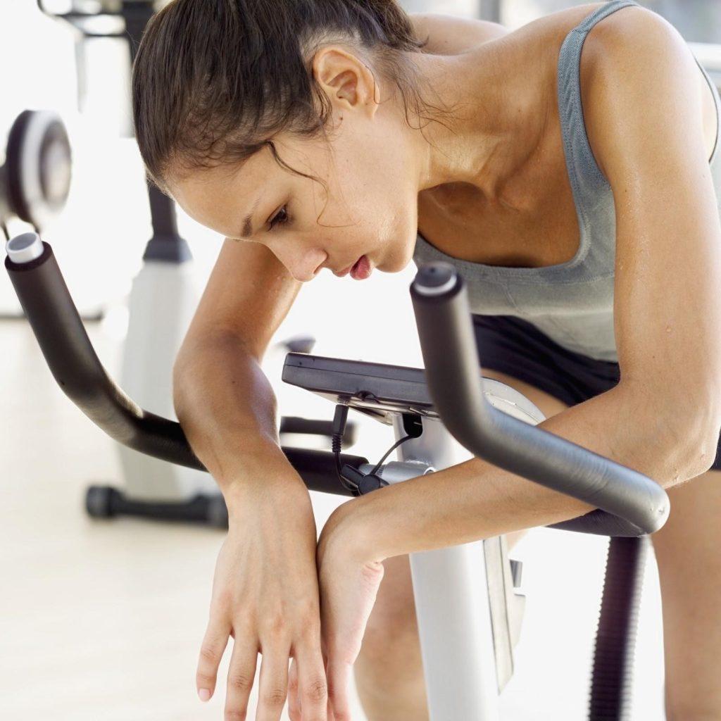 Мышечное напряжение при неврозе: как снять, подергивания, гипертонус