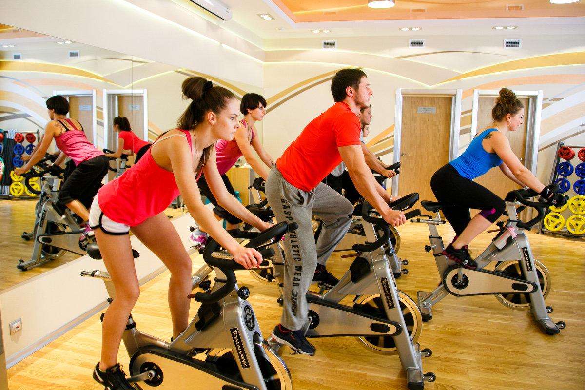 Сайкл-тренировка для похудения, тренировка на велотренажере
