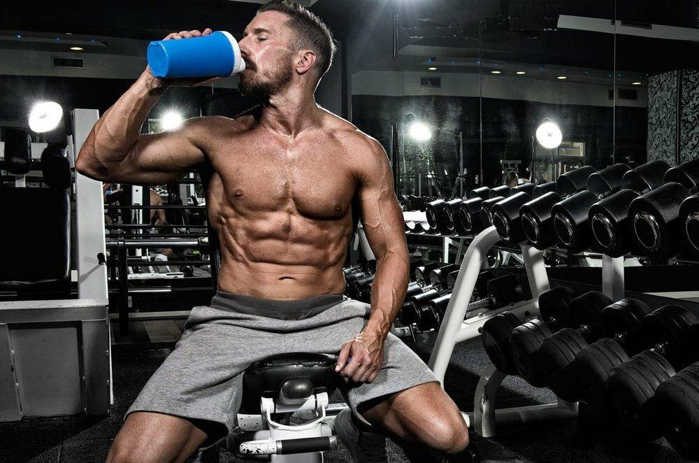 Можно ли пить воду до и во время тренировки: сколько, какую и помогает ли это для похудения и сушки?