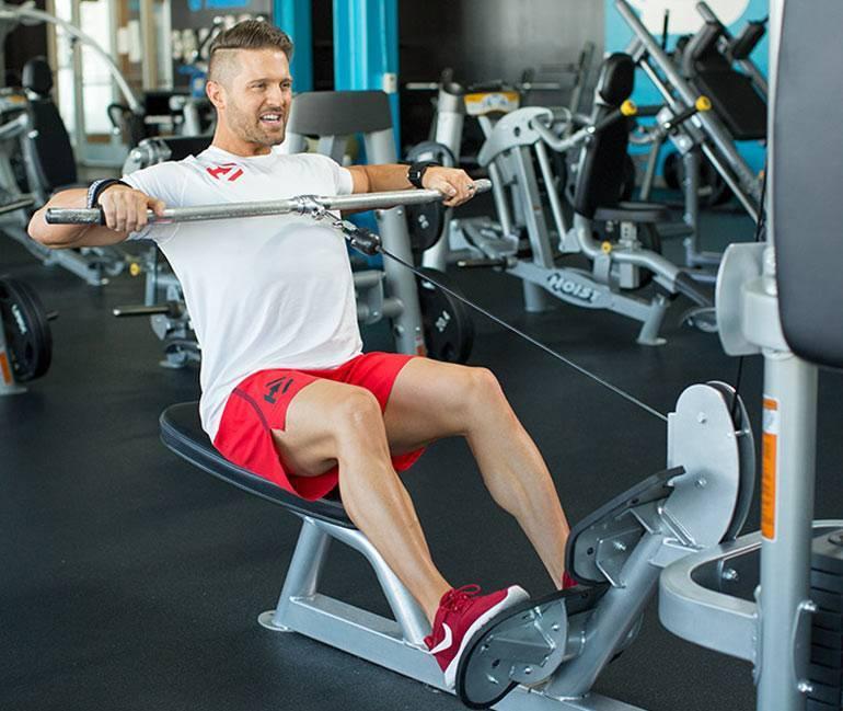 Тяга горизонтального блока. отличное упражнение для мышц спины!