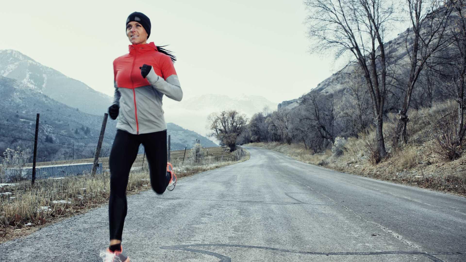 Как правильно бегать зимой на улице - советы врача