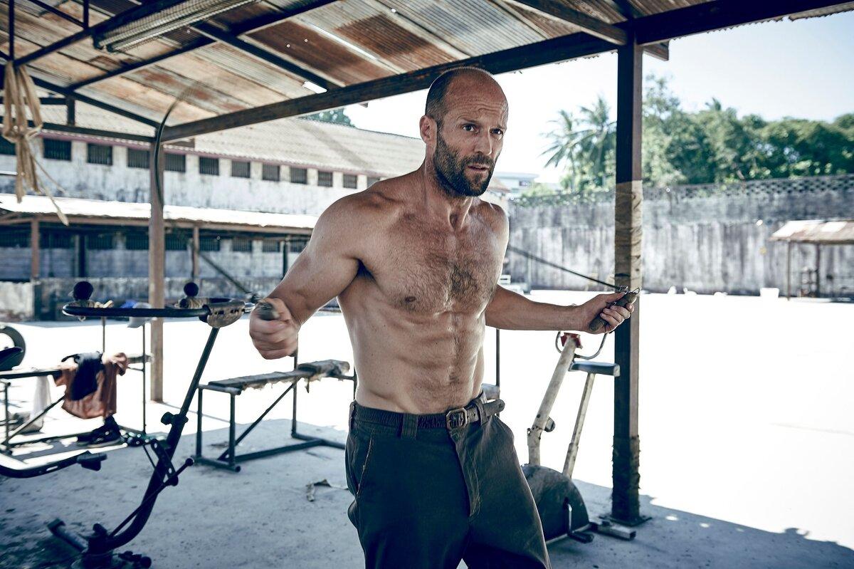 Программа тренировок и рацион питания джейсона стетхема, его рост и вес.