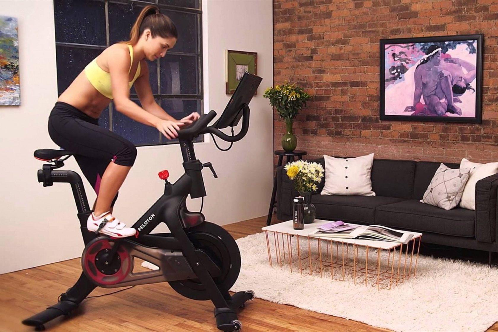 Какой велотренажер выбрать для тренировок дома — советы от производителей и продавцов