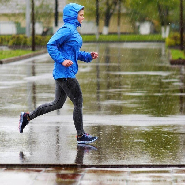Бег осенью: в чем бегать осенью на улице, как выбрать куртку, шапку и другую одежду