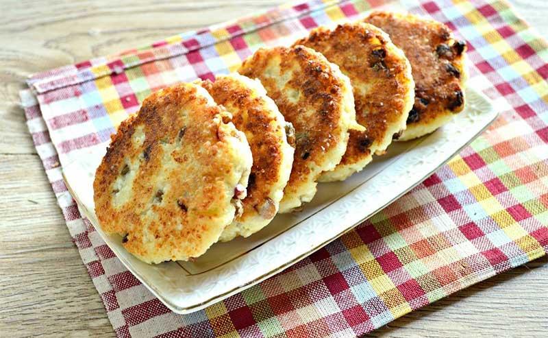 Пышные, нежные сырники из творога — готовим на сковороде классический завтрак для всей семьи