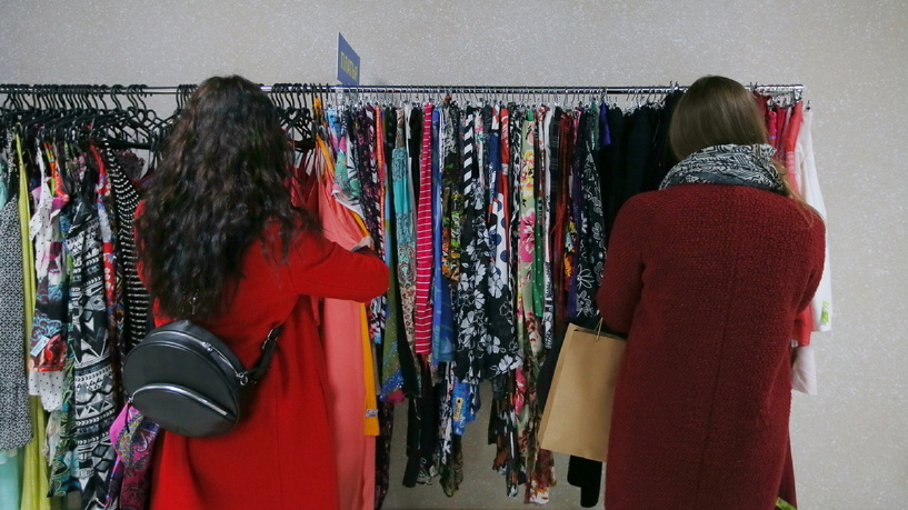 Секонд-хенд — эксклюзивная одежда за копейки: особенности, правила покупки. стоит ли покупать одежду в сэконд-хенде?