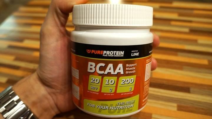 Как принимать bcaa и протеин вместе: особенности приема при работе на массу и рельеф