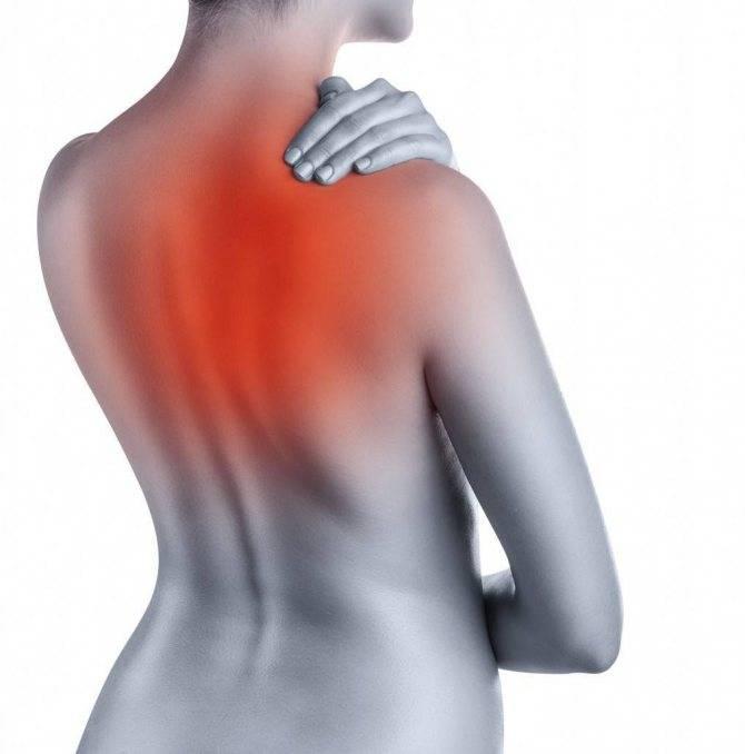 Боль под левой лопаткой сзади со спины: причины и лечение, что может болеть