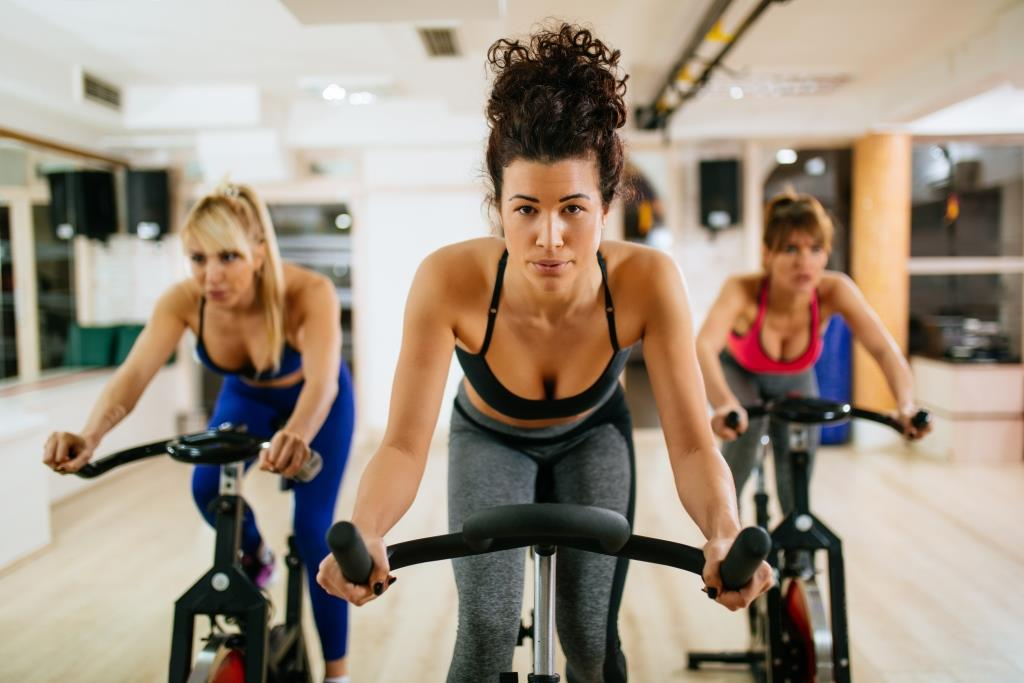 Сайклинг: тренировка на велотренажере | the base