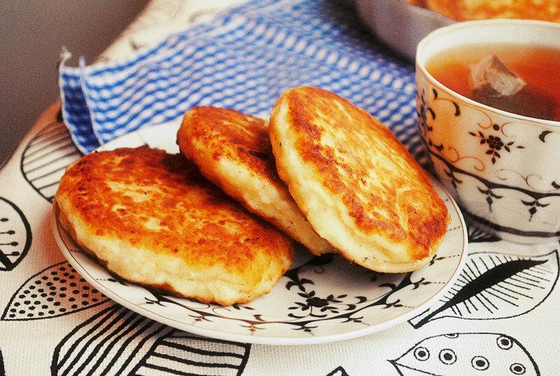 Чем заменить муку в сырниках при похудении. классические пп сырники: 14 вкуснейших диетических рецептов из творога